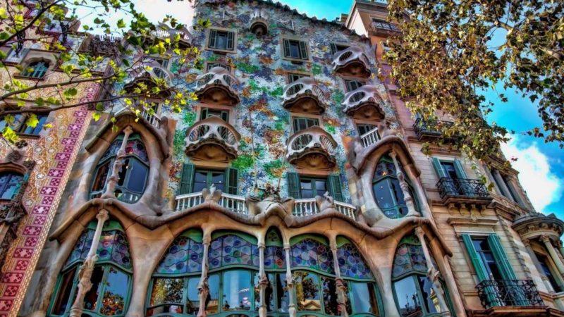 Fantastique Catalogne d'Antoni Gaudi